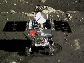 Yutu gets rolling on the moon